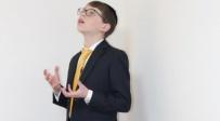 נתנאל מנת ואפרים מנדלסון מבצעים את לחנו של המלחין הצעיר שנפטר