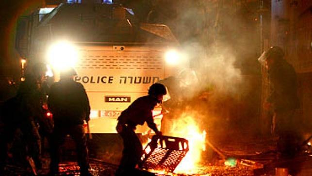 המשטרה במאה שערים (צילום: פלאש 90)