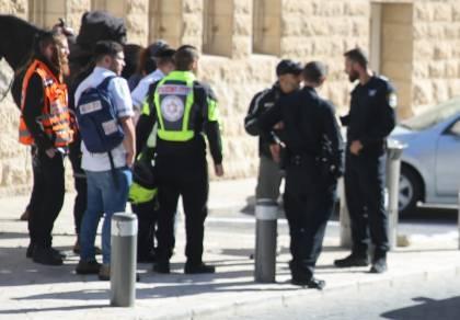 2 פרשים נכנסו למאה שערים וחטפו אבנים