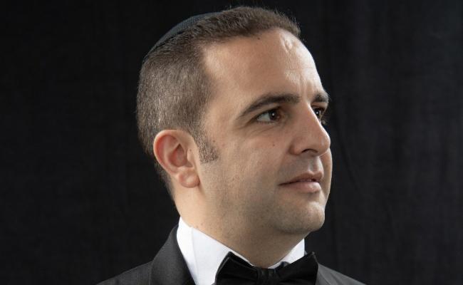 משה לוק וחברים בשיר לכבוד 'הבבא סאלי'