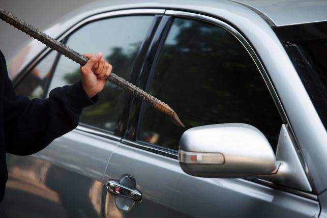 נעצרה כנופיה שגנבה חלקים מעשרות רכבים