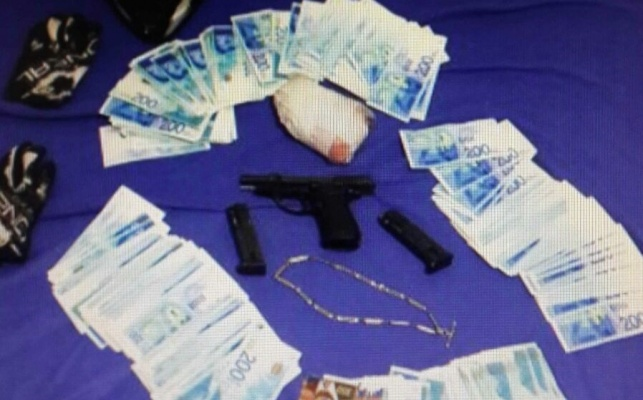 שני חשודים בשוד חנות תכשיטים נעצרו