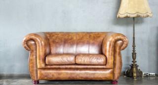 לפני שאתם זורקים לפח: 5 דרכים קלות לשדרג ספה ישנה