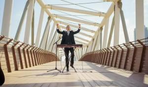 איציק וינגרטן בסינגל קליפ חדש: שמח תמיד
