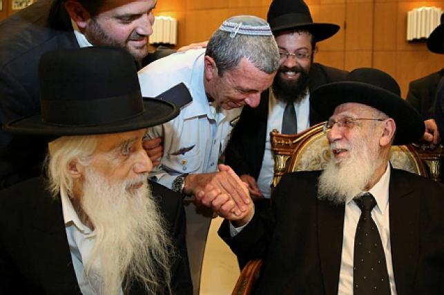 פרץ עם נשיא מועצת חכמי התורה חכם שלום כהן