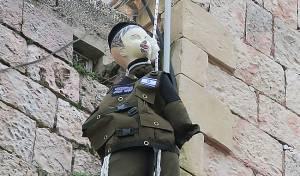 """מיצג החיילים החרדים התלויים - קצין בכיר: """"תרומת החרדים לצבא - חשובה"""""""