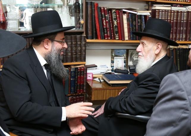 """הרב בוחבוט מקבל את ברכת נשיא המועצת הגר""""ש כהן"""
