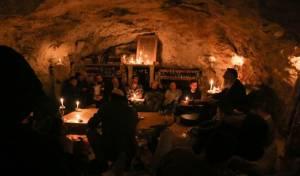 חבורת לומדי הזוהר במערה