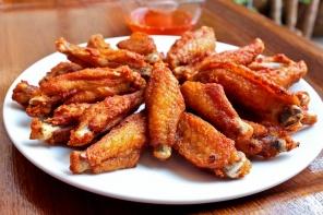מתכון לכנפיים בתנור ברוטב צ'ילי ודבש