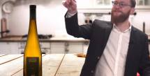 יין כתום הוא למעשה יין לבן שנעשה בשיטת עשיה של יין אדום