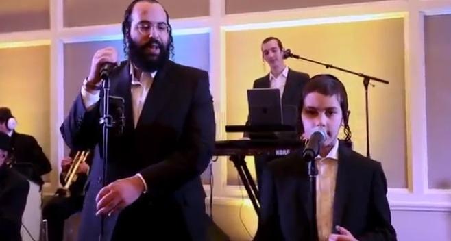 עקיבא גלב ובנו ומקהלת שיר ושבח במחרוזת לייב