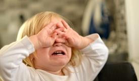 תה רותח נשפך על גופו של ילד חרדי בביתו