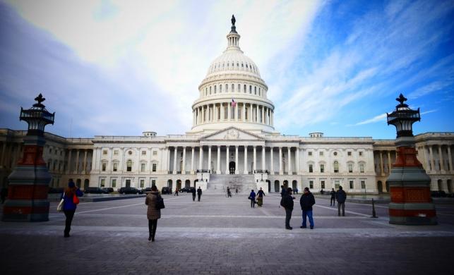 הסנאט העביר הצעת חוק נגד נסיגה מסוריה