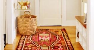 הפתרון מסתתר מתחת לשטיח - כך תמנעו מהשטיח לזוז ולהתקפל כל הזמן