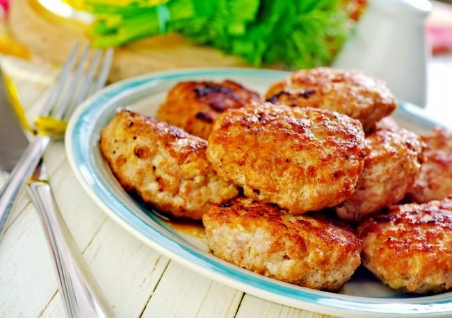 קציצות עוף רכות במיוחד לארוחהה מזינה