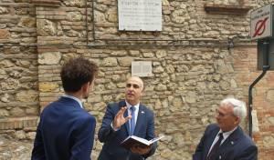 """בפני ראש העיר: השגריר למד משניות ורע""""ב"""