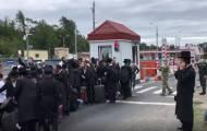 """אחת מקבוצות החסידים, סמוך לגבול אוקראינה - לפני ר""""ה"""