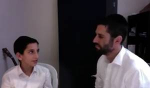 """ארי גולדוואג ובנו משה דב בביצוע ווקאלי: """"אבא יקר"""""""