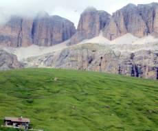 פאסו פרדוי - מסע מצולם להרי הדולמיטים בצפון איטליה