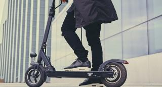 """עיריית ת""""א מקימה יחידת אכיפה לעבירות של אופניים וקורקינטים חשמליים"""