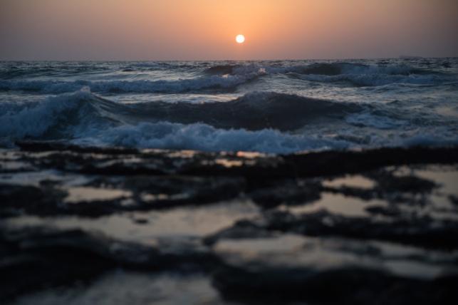 שקיעה בחוף מכמורת