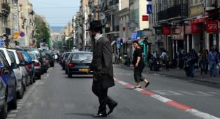 """יהודי בחוצות מרסיי. אילוסטרציה - לאחר התקיפות: """"בצרפת נוצר טיהור אתני"""""""