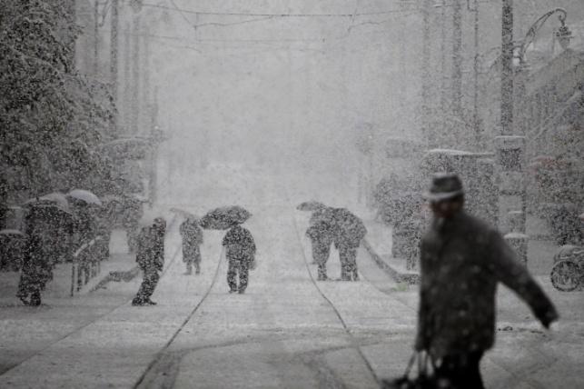 השלג יורד בירושלים, הבוקר