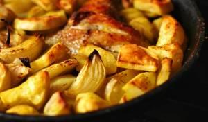 תבשיל עוף ותפוחי אדמה בצ'ילי