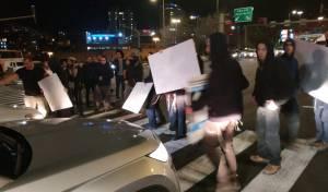 בעקבות הפינוי: הפגנה גדולה בכניסה לי-ם