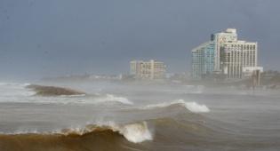 הים סוער ביום שישי - התחזית: הסערה חלפה, התחממות ניכרת