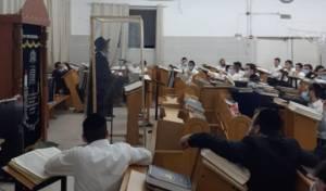 """הגר""""ד כהן במסירת השיעור"""