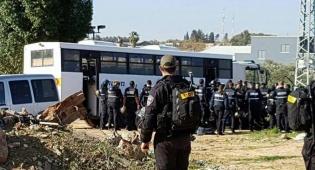 הכוחות בשטח - המשטרה הורסת בניה בלתי חוקית בקלנסווה