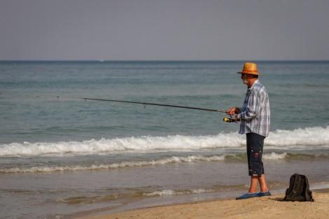 דייג אתמול בנתניה