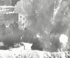 """צפו: צה""""ל תוקף מפקדת גדוד חמאס בעזה"""