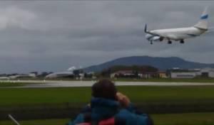 תיעוד הנחיתה המסוכנת - וההמראה