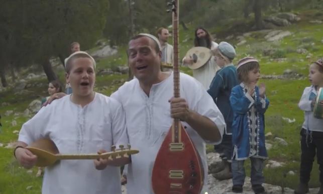 """'הבוימל-טיש' בסינגל קליפ חדש: """"אז ירנן"""""""