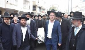 """תיעוד: התלמידים נפרדו מהרב צבי כהן זצ""""ל"""