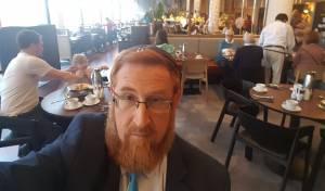 גליק, בבית המלון באוסלו