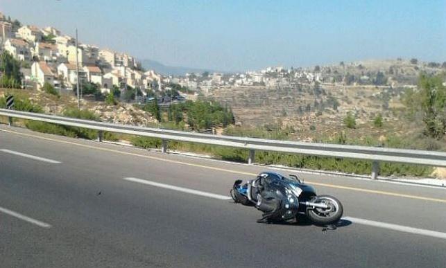 האופנוע בזירת התאונה