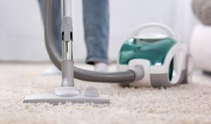על רגל אחת: איך לשאוב אבק כמו שצריך