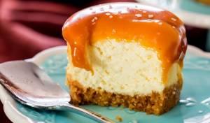 עוגות גבינה אישיות בציפוי קרמל