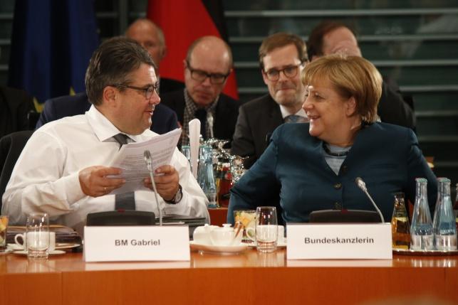 קנצלרית גרמניה ושר החוץ שלה. מובילים את המהלך