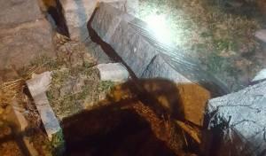 אחת המצבות בבית הקברות - לא שנאה: זו הסיבה להריסות בבית הקברות