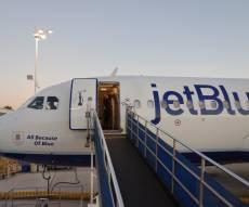בגלל חרדים: טיסה לניו יורק - הוכנסה להסגר