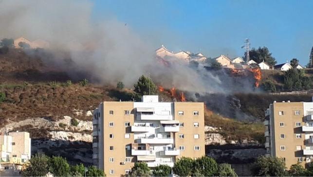 בעקבות שריפה: פונו בתים בשכונת הר יונה