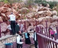 מקום נפילת הילד במודיעין עילית - שני ילדים נחבלו בראשם מנפילה מגובה