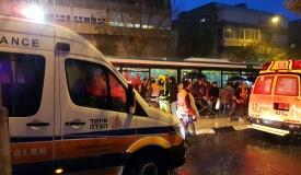 פגיעת אוטובוס: חרדית נפצעה בתאונה בי-ם
