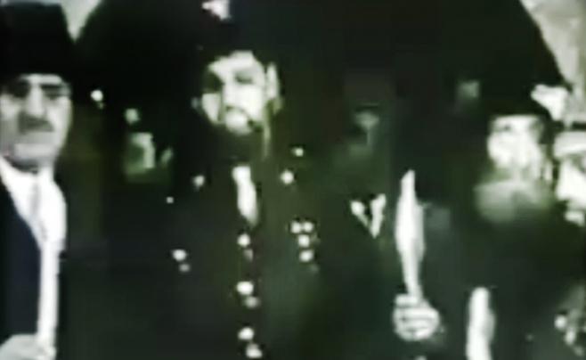 וידאו נדיר: הרב שאר ישוב הכהן מובל לחופה