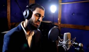 עידן יצחקיאן שר את שירה של אורי אנסבכר