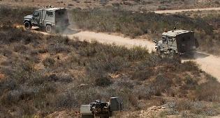 """ארכיון - בפעם הרביעית: צה""""ל עצר שני פלסטינים שחדרו מעזה"""